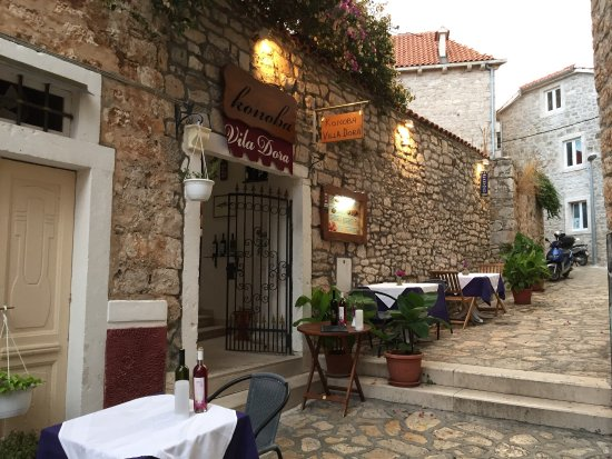 Restoran Vila Dora